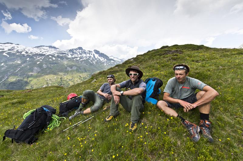 Die eine oder andere Pause durfte auch gemacht werden: das Dreierteam Vitto, Alexander und Simon. Foto: adidas/Tony Brey