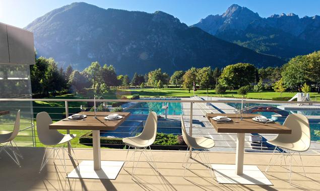 Terrasse des Gastronomiebetriebes im Dolomitenbad NEU (Visualisierung Stadt Lienz)