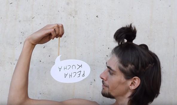 Wie aber spricht man Pecha Kucha aus? Diese Frage stellt sich auch David Neun im Video. Foto: Screenshot/Trailer zu Pecha Kucha, Vol. 4