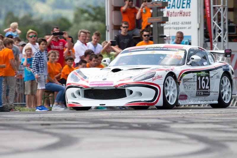 Weniger Glück hatte das Team Niedertscheider diesmal: Die wunderschöne Ginetta G50 GT4 wollte nicht so recht starten.