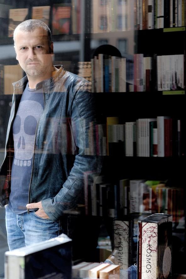 """Aichners neues Buch """"Totenhaus"""" verspricht Spannung und besondere Nähe zur Protagonistin."""