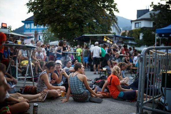 Der Bouldercup Lienz ist auch für die nette Stimmung im Publikum und für seine Konzerte bekannt.