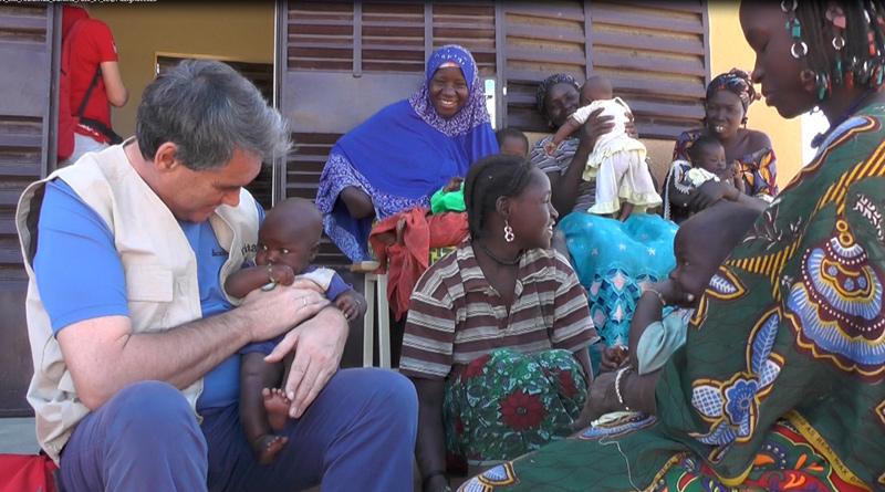 Schärmer in einem der Ernährungszentren in Burkina Faso. Foto: Caritas