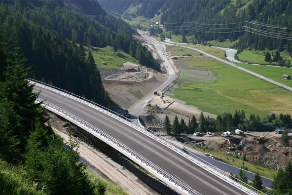 Der Streckenabschnitt Schildalm ist nahezu fertig und kann am 18. August für den Straßenverkehr freigegeben werden.