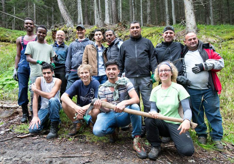 Die Projektmitarbeiter: Asylwerber, Angestellte des Nationalparks und die Projektbetreuerin Elisabeth Fuchs.