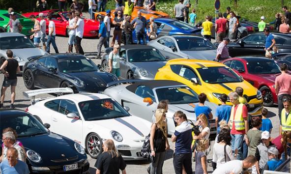 """""""Gemma PS schauen"""" hieß es am Wochenende in Matrei in Osttirol. Die """"Mythos Sportwagen Tour"""" war auf der Durchreise."""