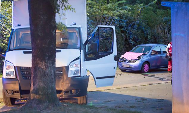 Beide Fahrzeuge wurden bei dem Unfall schwer beschädigt. Foto: Brunner Images