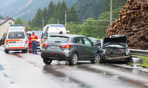 Die am Unfall Beteiligten wurden an Ort und Stelle erstversorgt.