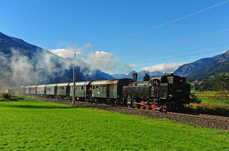 Die Fahrt des historischen Zuges wurde bei Traumwetter zur Romantiktour.
