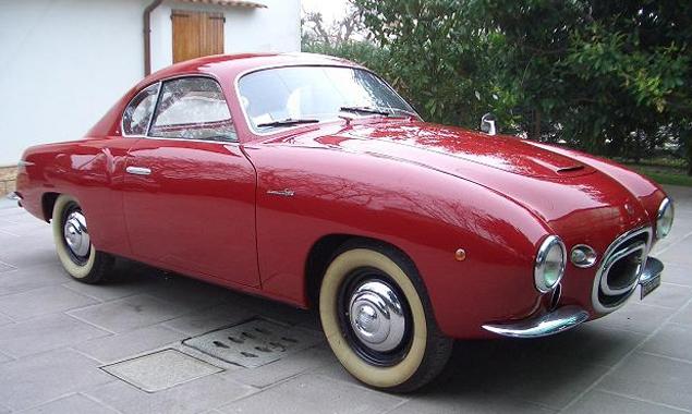 Der Savio 1100 Sport war in den 1950er Jahren berühmt für seine ungewöhnliche Eleganz. Im Vergleich zu Modellen von heute werden seine Rundungen vielleicht noch deutlicher.