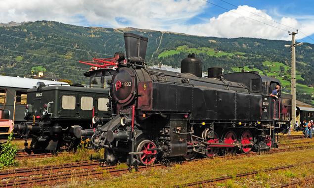 Die Dampflok kam von Spittal nach Lienz und fuhr wieter nach Thal. Fotos: Gerfried Moll