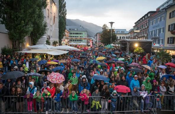Im letzten Jahr versagten zwar die Wettergötter, doch das Lienzer Publikum ließ sich davon nicht abschrecken. Foto: EXPA/Groder
