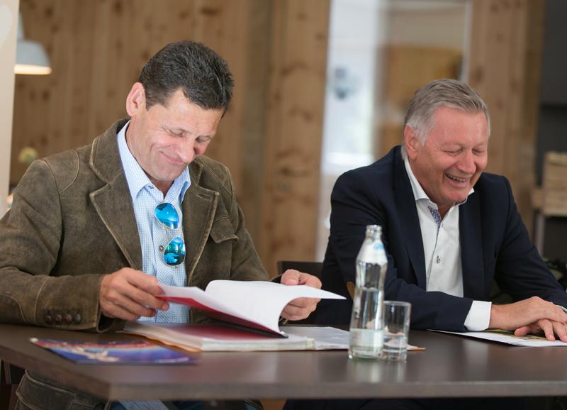 Franz Posch (li.) und Helmut Krieghofer geben die ersten Details zur Sendung bekannt.