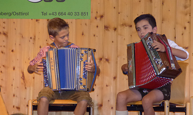 Dass Volksmusik für jedes Alter passt, zeigten die jungen Seminarteilnehmer.