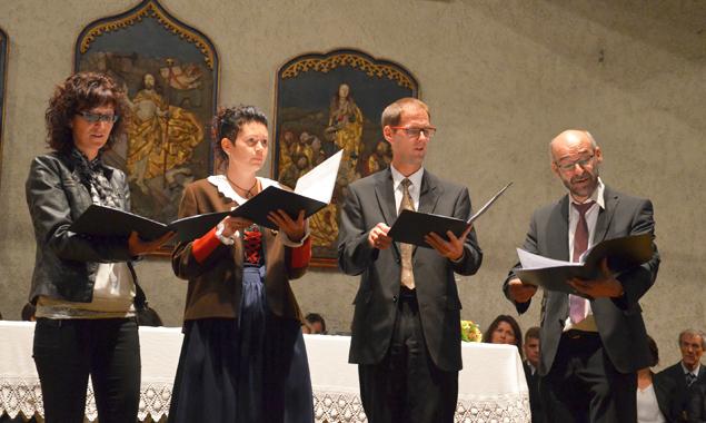 Der Debanter Viergesang stimmte zu den Texten von Bischof Stecher passende Weisen an.