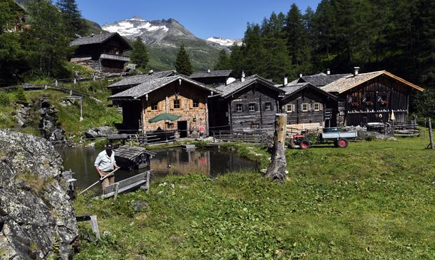 Innergschlöss kann mit wunderbarer Natur aber auch mit umsichtig gepflegter Landschaft aufwarten. Foto: Osttirol Werbung/Aichner