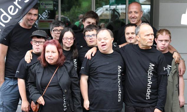 Die Südtiroler Rockband MitEinAnders wird beim Ball für Stimmung sorgen.