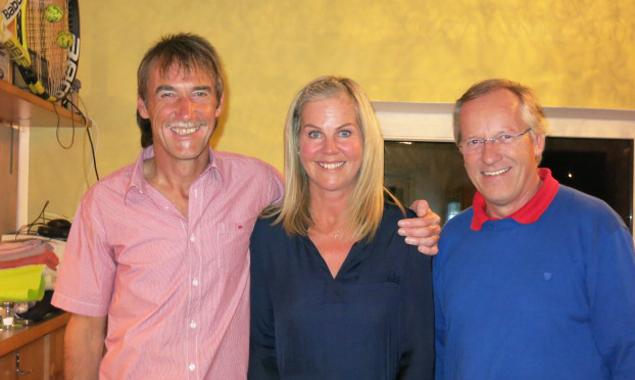 Die beiden Vereinsmeister 2015, v.l. Albin Winkler und Frieda Ladner mit Vereinsobmann Willi Lackner. Foto: Maria Lerchster
