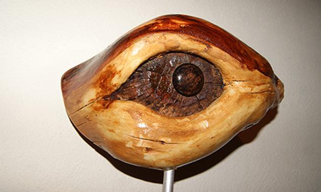 Vor allem Holz liegt dem Künstler als Werkstoff am Herzen.