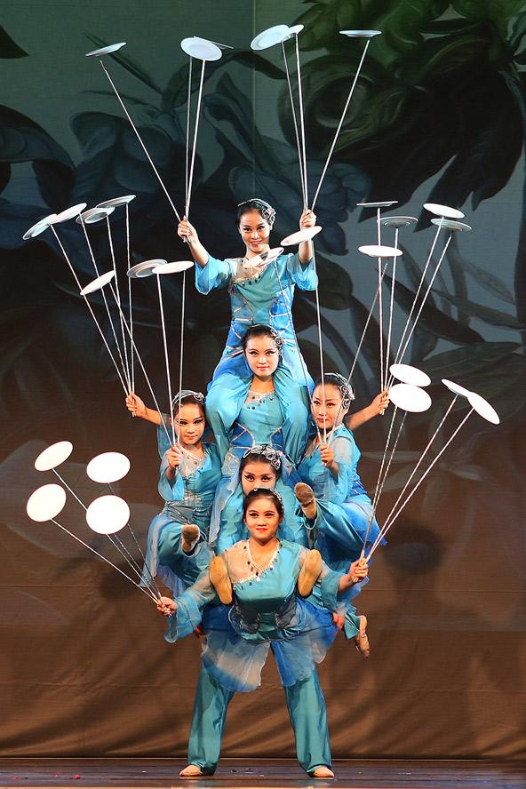Shanghai war in der ersten Hälfte des 20. Jahrhunderts ein Schmelztiegel verschiedenster Kulturen. Auch das möchten die Akrobaten in Lienz zeigen.