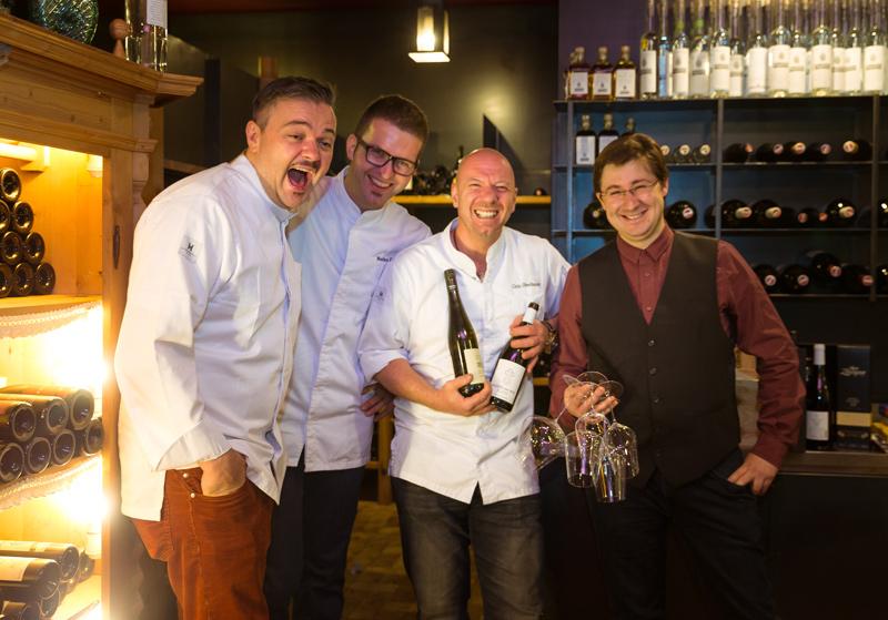 Die Gründer von Culinaria Tirolensis haben gut lachen: Sie wissen auch im Weinkeller, was schmeckt und Spaß macht.