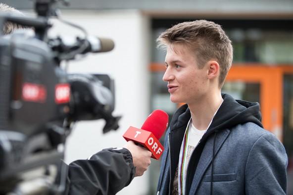 Der frischgebackene Osttiroler Junioren-Radweltmeister sammelt TV-Erfahrung. Demnächst tritt er auf die Bühne der großen Sport-Gala im ORF. Foto: Expa/Groder