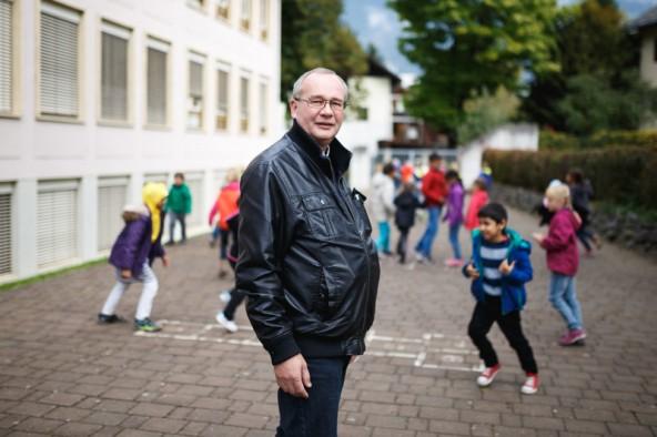 """""""Es geht darum, Haltung zu zeigen"""". Hannes Moritz, Direktir der VS Michael Gamper in Lienz. Fotos: Marco Leiter"""