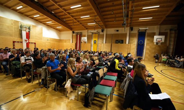 Die etwa 150 Jungbürger organisierten die Feier nach ihren Wünschen. Fotos: Hannes Berger, Silent Art