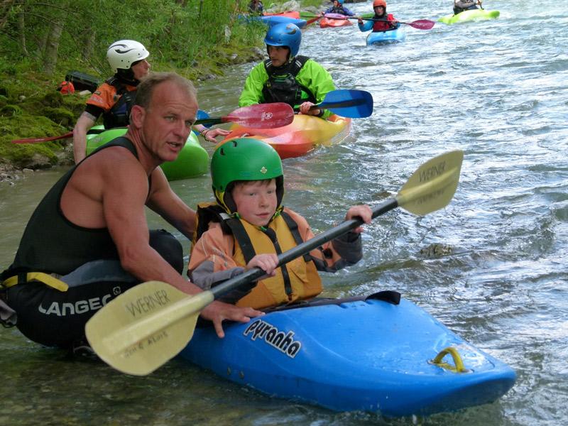 Letzte Anmerkungen zum Verhalten im Wildwasser – und los geht's!