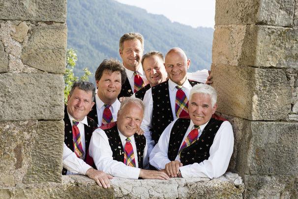 """""""Heimat deine Lieder"""" – mit dieser LP schafften die Kastelruther Spatzen den Sprung von Null auf Platz 1 der deutschen LP-Charts. Foto: Universal Music"""