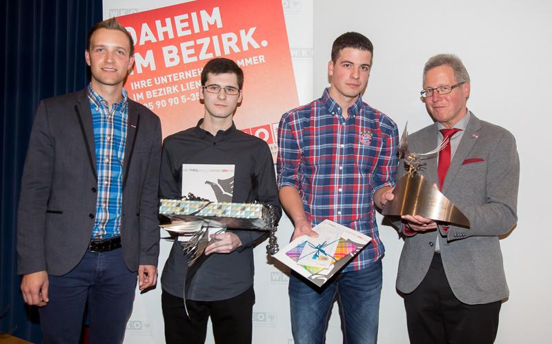 v.l.: Michael Riepler (WKO-Lienz), Julian Steinkasserer (zweifacher Landessieger Metall-/Zerspanungstechnik), Lukas Resinger (zweifacher Landessieger Platten- und Fliesenleger), Michael Aichner (WK Obmann Lienz),