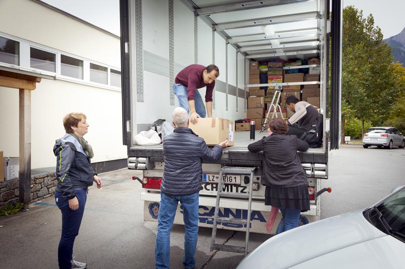 Viele Osttiroler und Oberkärntner haben bereits Schachteln abgegeben und freuen sich, dass sie nicht die Einzigen sind. Fotos: Wolfgang Retter