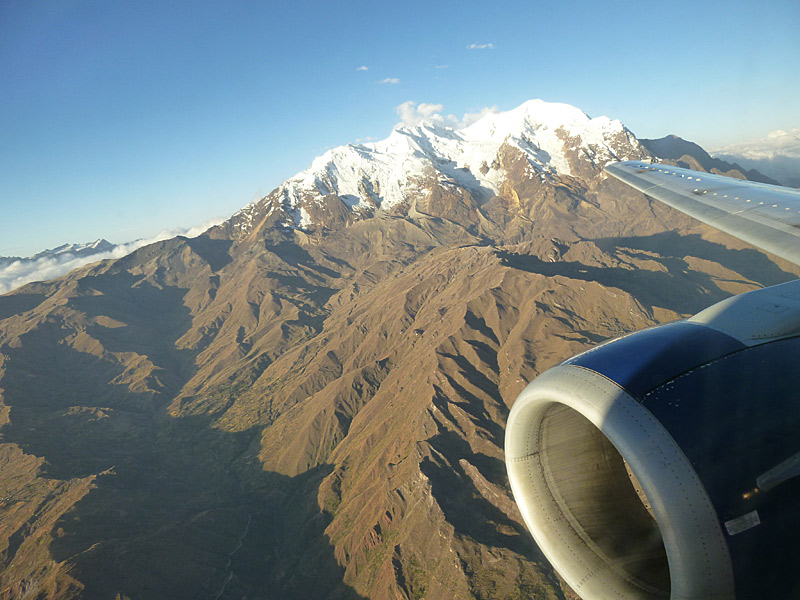 Eines der imposanten Bergmassive nahe La Paz.