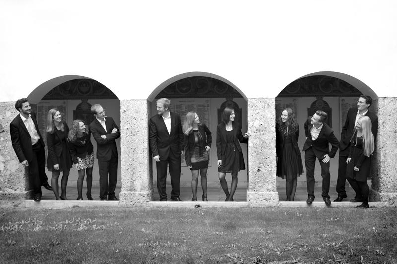 Das Vokalensembles StimmOktav stammt großteils aus Anras und spielt vor allem Modernes und Kirchenmusik.