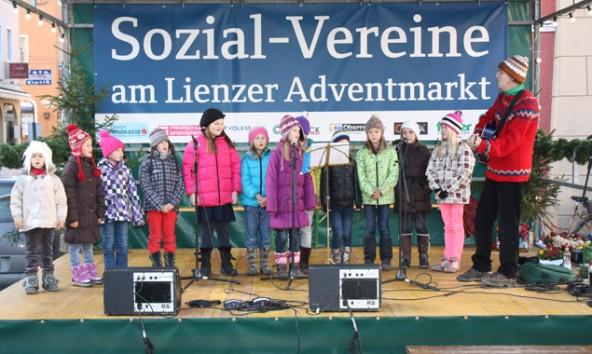 Ende November steht der Obere Hauptplatz im Zeichen der Sozialvereine. Fotot: Stadt Lienz