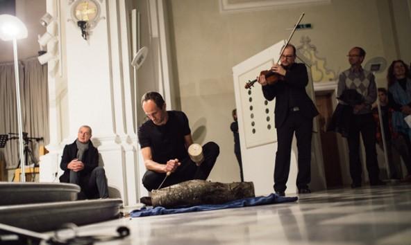 Arbitrarium: Die perfekte Mischung aus Bildender Kunst und Musik. Fotos: Marco Leiter
