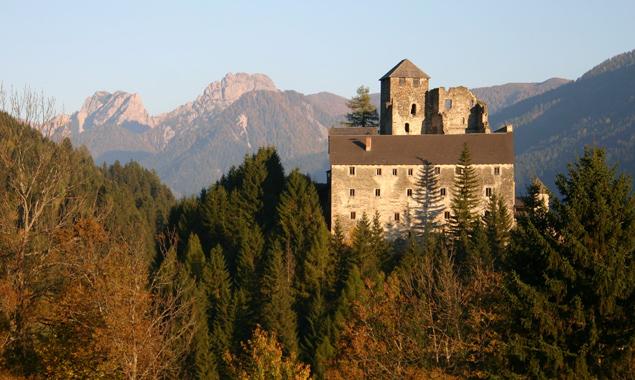 Die Burg Heinfels soll zu einem kulturellen Anziehungspunkt im Oberland werden. Fotos: Peter Leiter
