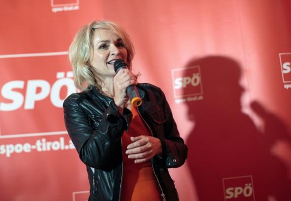 Bürgermeisterin Elisabeth BlaniaLAbg. und Bgm. Elisabeth Blanik brachte für die SPÖ zwei Anträge ein, die beide in Zusammenhang mit Gemeindefinanzen stehen. Foto: EXPA/Johann Groderk begrüßt die Runde als Gastgeberin des SPÖ-Treffens.
