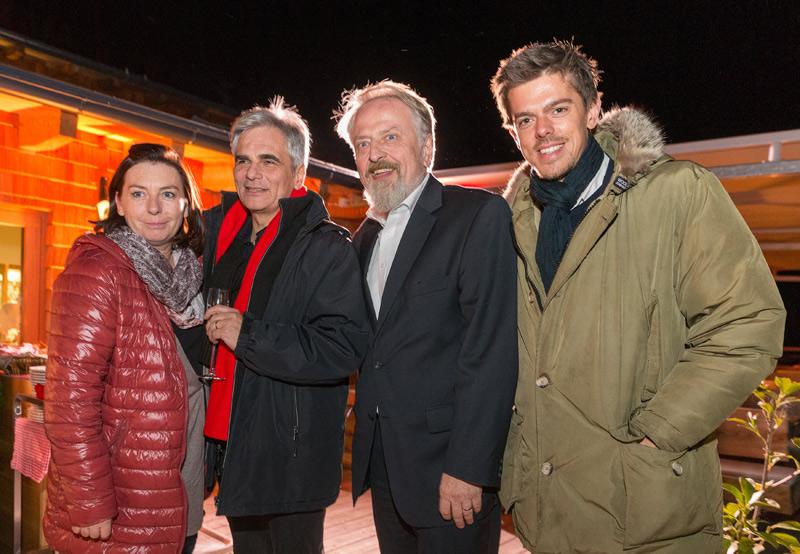 v.l.: Kanzlergattin und SP-Politikerin Martina Ludwig-Faymann, BK Werner Faymann, Bundesgeschäftsführer Gerhard Schmid und Kommunikationschef Euler-Rolle.