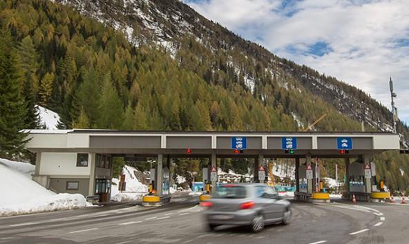 Pkw mit Osttiroler Kennzeichen fahren weiterhin kostenlos über den Felbertauern. Foto: Expa/JFK