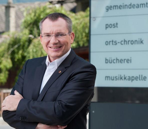 Gemeindelandesrat Johannes Tratter hofft auf rege aktive und passive Beteiligung bei den kommenden Wahlen. Foto: Land Tirol/Berger