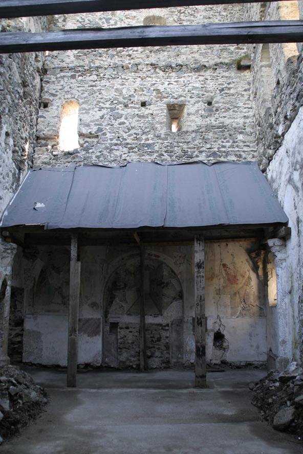 Die Laurentiuskapelle auf der Burg Heinfels im Zustand von 2010.