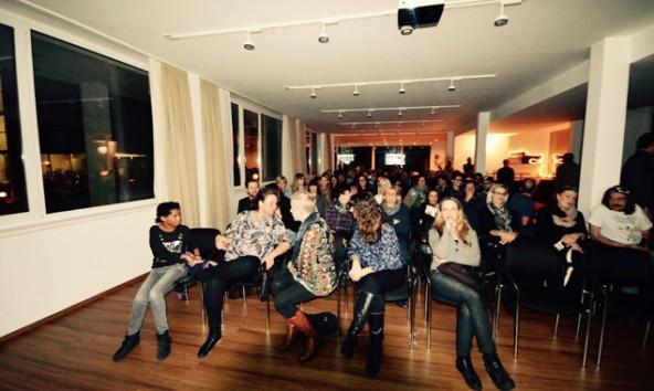 Die fünfte Pecha Kucha Nacht in Lienz lockte mehr Publikum a, als es Sitzplätze gab. Fotos: Antonio La Regina