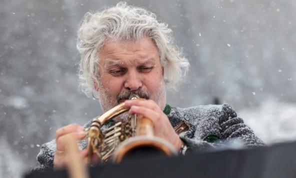 Hansl Klaunzers Trompetentöne froren nicht ein.
