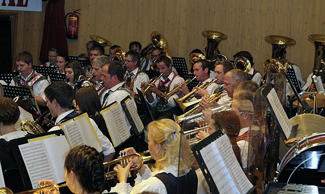 Schon in den Jahren 2011 und 2013 schlossen sich die Deferegger Musikkapellen für einige Konzerte zusammen. Foto: SBOD