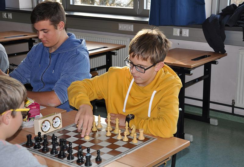 Johannes Walder (Gym) und Sieger Florian Pfurner (NMS Debant)