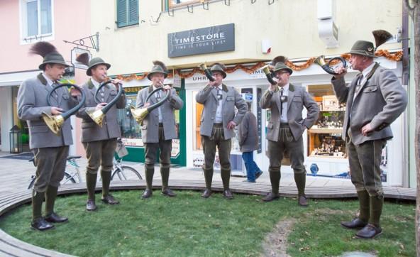 Musikalisch eingeleitet wurde der neue Marktschwerpunkt von der Jaghornbläsergruppe Kartitsch.