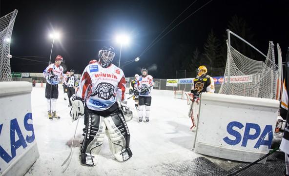 Lienz-Keeper Dominik Tiefnig konnte die Niederlage in letzter Minute nicht verhindern. Foto: Brunner Images