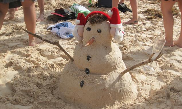 Ein Sandmann, oder doch ein Sandschneemann? Fotos: Prugger