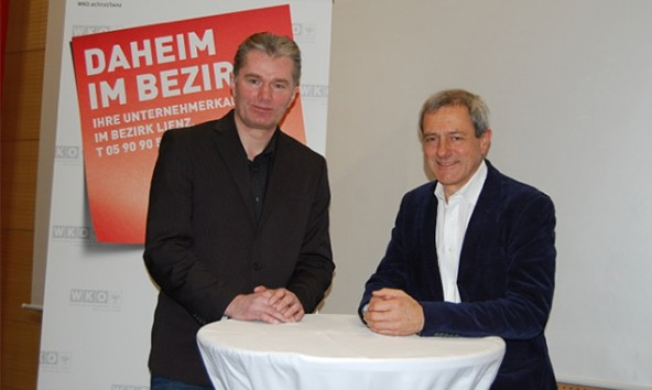 Silvester Wolsegger (links) und Vorname Zegg referierten im rahmen der Vordenker-Bewegung über aktuelle Entwicklungen des Wintertourismus. Foto: WK Tirol